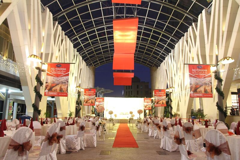 WEDDINGS AT RED CARPET AVENUE